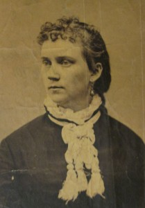 Photographic portrait of a woman.